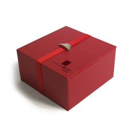 Caja forrada roja