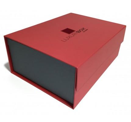 Caja forrada roja tapa